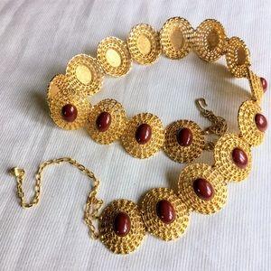 Vtg gold tone metal red center chain link belt